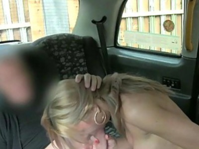 Hot busty customer boned for a free fare
