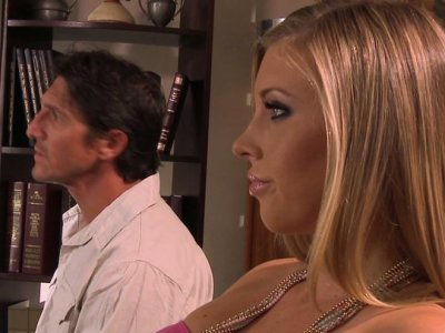 Kinky Samantha Saint sucks a cock after relationship therapy