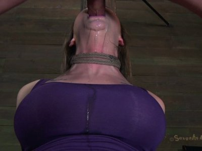 Voracious nympho Chanel Preston gets a lod of cum in mouth